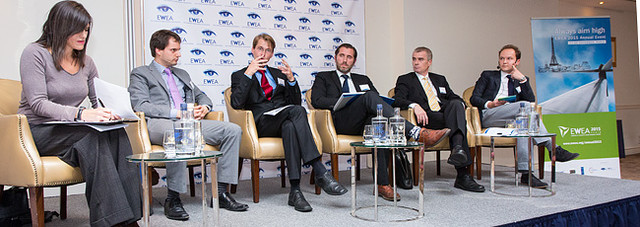 Getting more renewables online: Public debate photos and video available