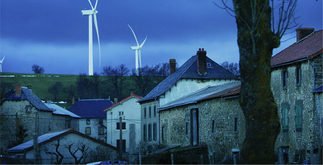 Do wind farms really send house prices down?